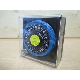 Grundfos Zeitschaltuhr TS - 1  Ein / Aus Schaltuhr Pumpe 24 h Pumpenkost S12/289