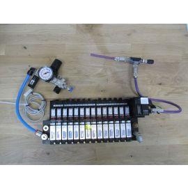 Bürkert Ventilblock mit Druckminderer Pneumatik Druck Ventil Druckluft S17/19
